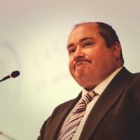 La ONCE premia la dedicación y la solidaridad de Juan Vela, Presidente Nacional de Lares