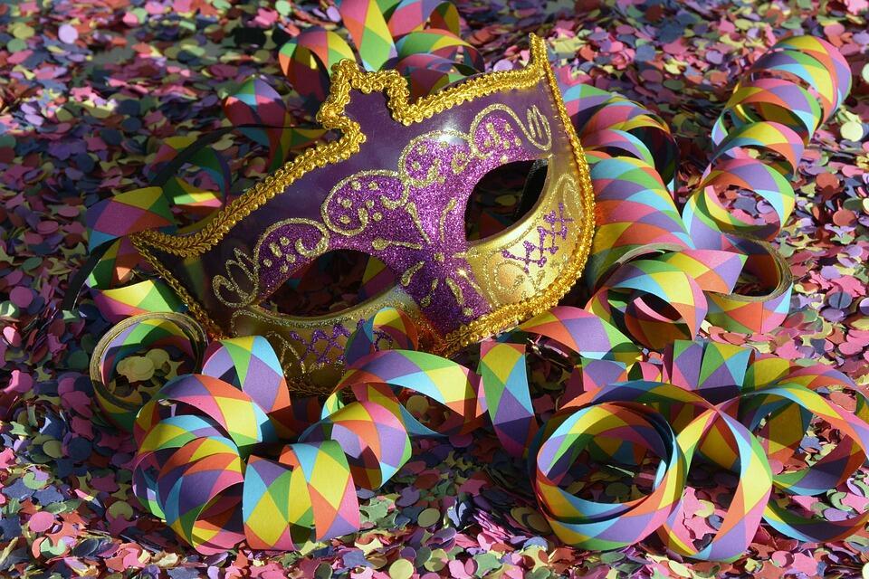 Mayores de nuestra Residencia en Luarca participan por tercer año consecutivo en el Carnaval de la localidad